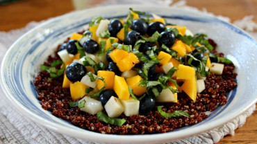 Blueberry Mango Quinoa with Citrus