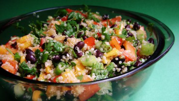 Quinoa salad with black beans and mango