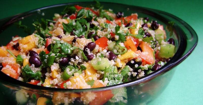 Quinoa Salad with Mango & Black Beans - CookElite