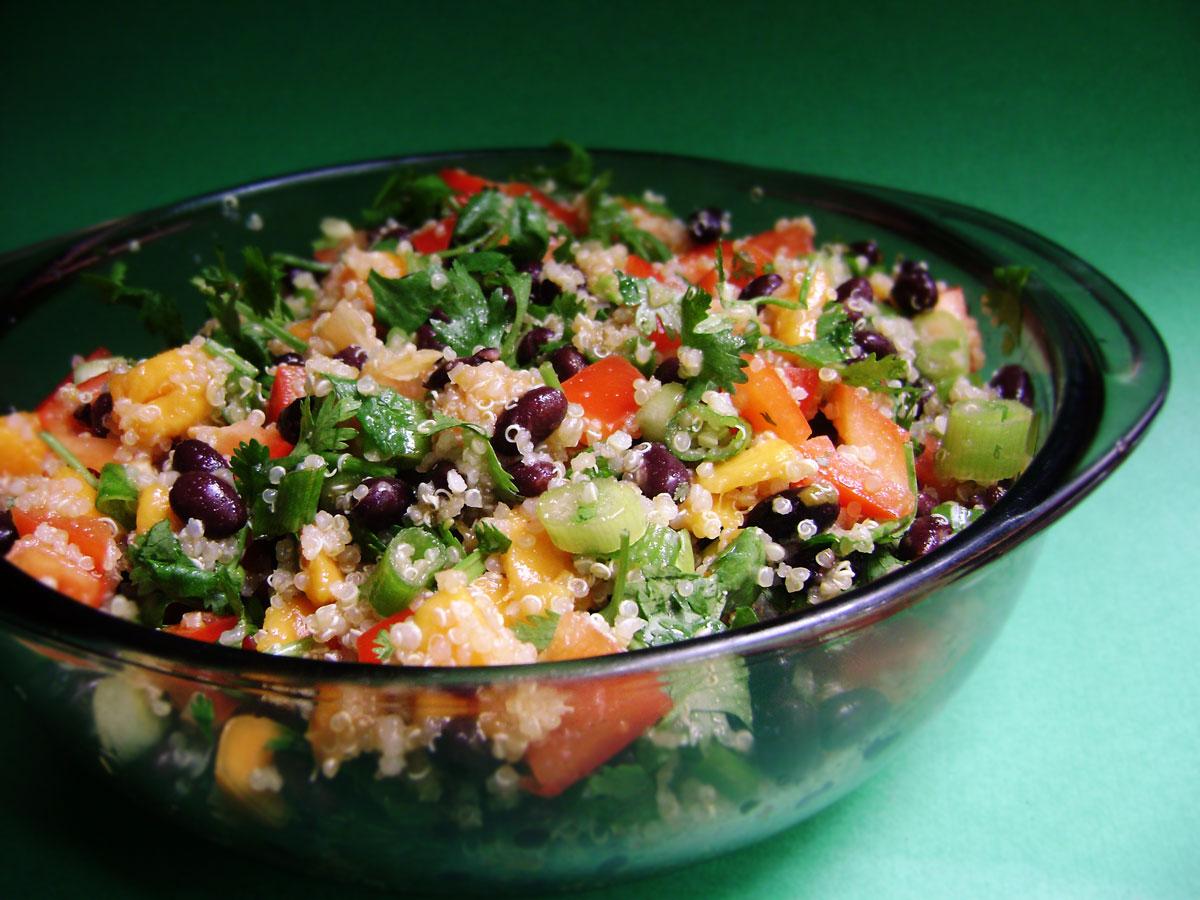 Quinoa salad with black beans and mango
