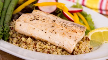 Mahi-Mahi with Quinoa and Fresh Vegetables