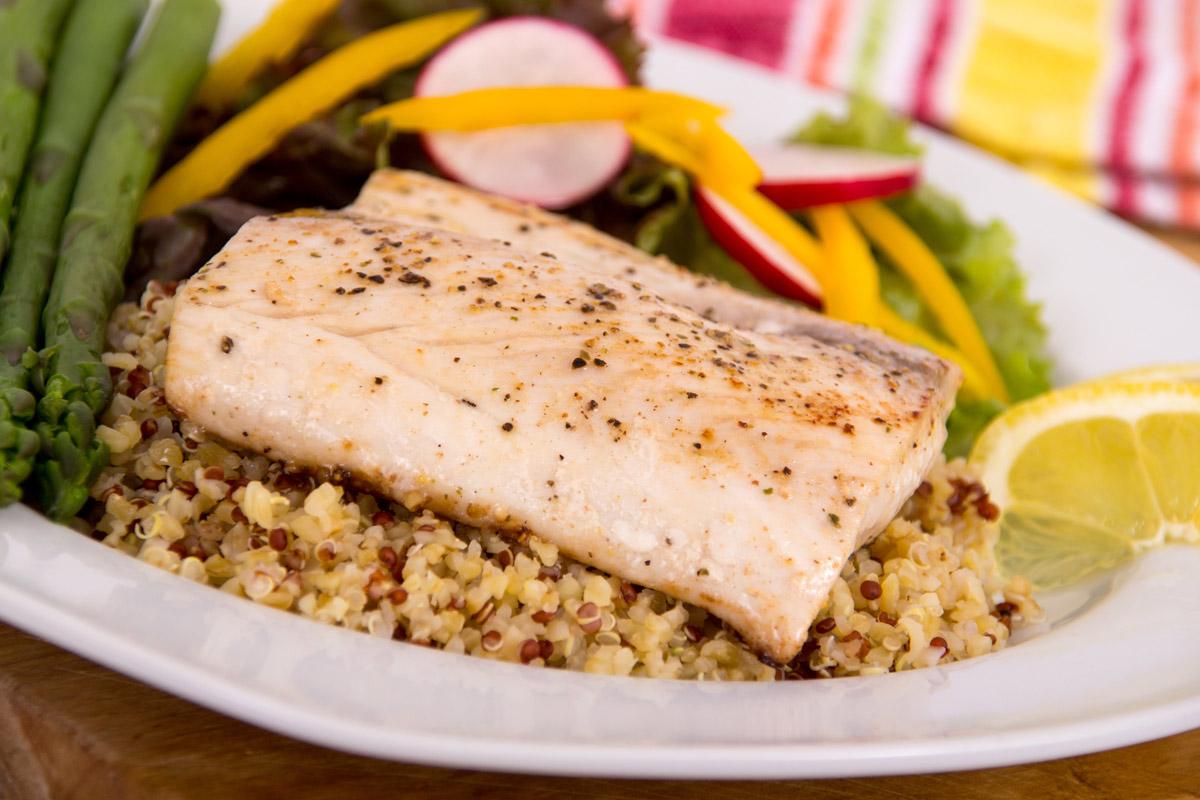 Mahi mahi with quinoa and fresh vegetables how to cook for How to cook mahi mahi fish