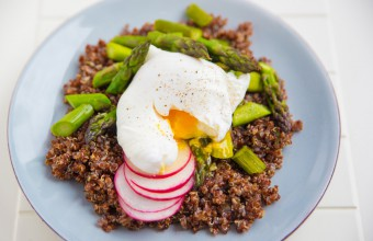 Crispy Quinoa with Poached Eggs and Asparagus