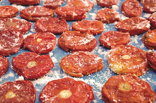 Dry tomatoes